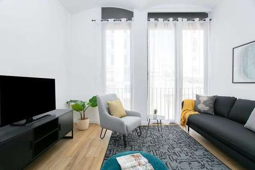 Spacious 3-bedroom flat in the center of the city!